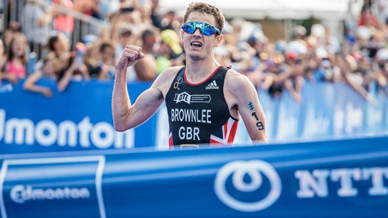 Brownlee storms to victory in Canada
